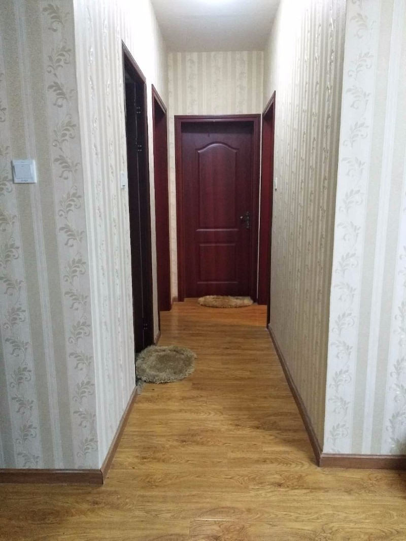 犀浦 润扬双铁广场 3室 2厅 89平米 整租