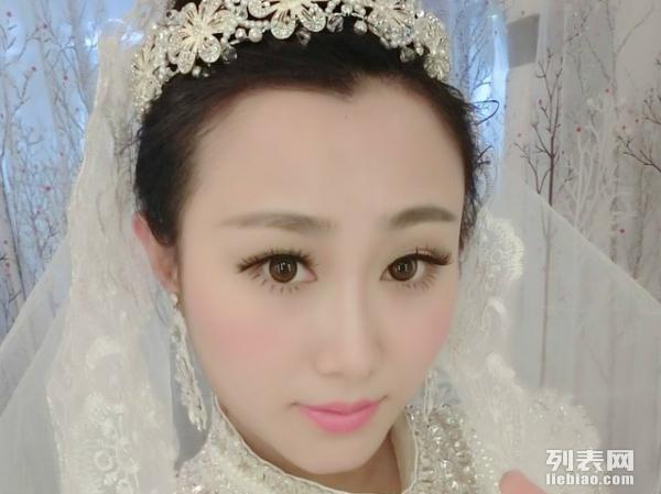 武汉化妆造型婚纱馆 承接新娘妆,晚会妆舞台妆等服务