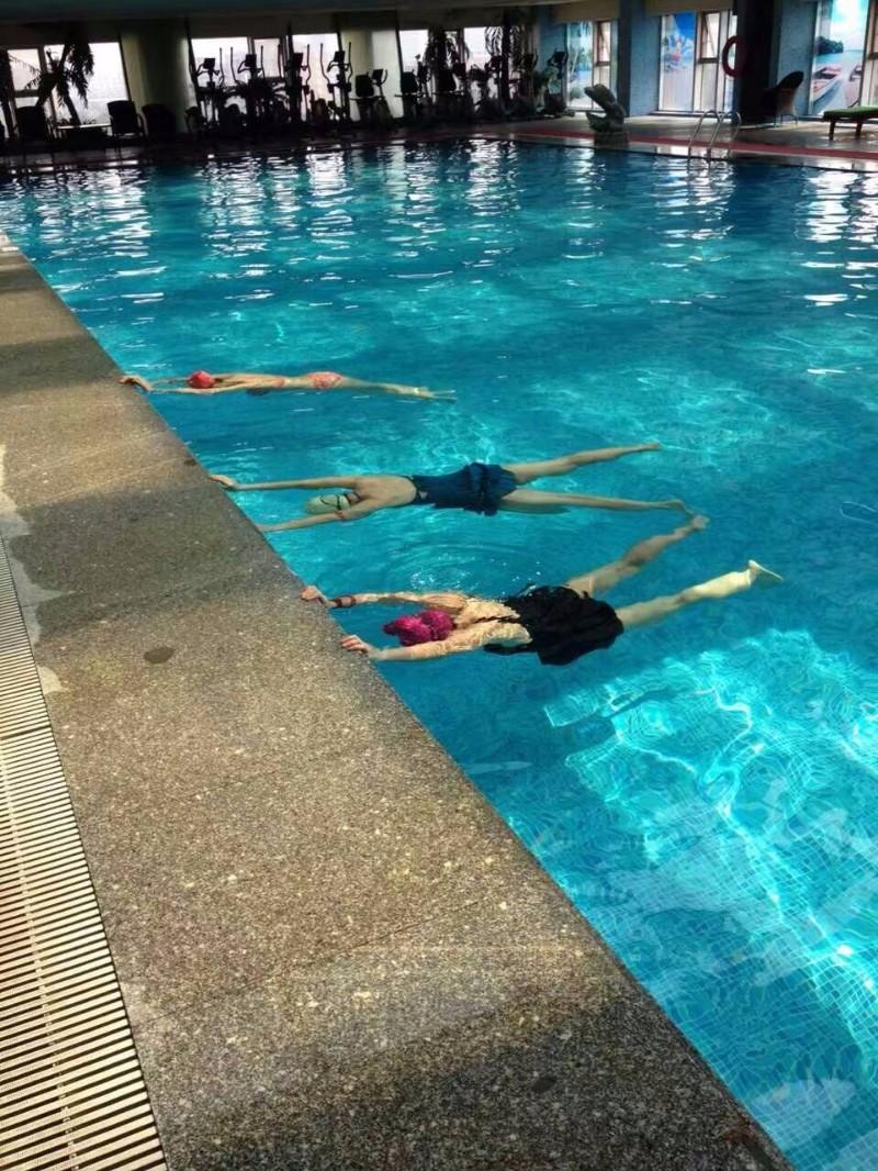 江门人注意了!逸豪店健身房恒温游泳专做口碑和服务