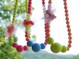 韩版儿童饰品 糖果色彩珠高档串珠韩国衣服挂件 童装卡通项链批发
