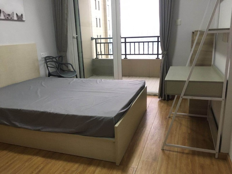 三墩 雍荣华庭 4室 1厅 98平米 整租