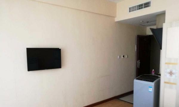 国贸新天地 1室 40平米 精装修 半年付