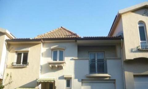 青岛房产 青岛二手房 石湾山庄 纯别墅区 联排别墅 带院子 有钥匙 可