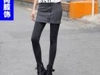 2013秋装新款女装韩版包臀扣子假两件裤子打底裤裙裤8017厂家批发