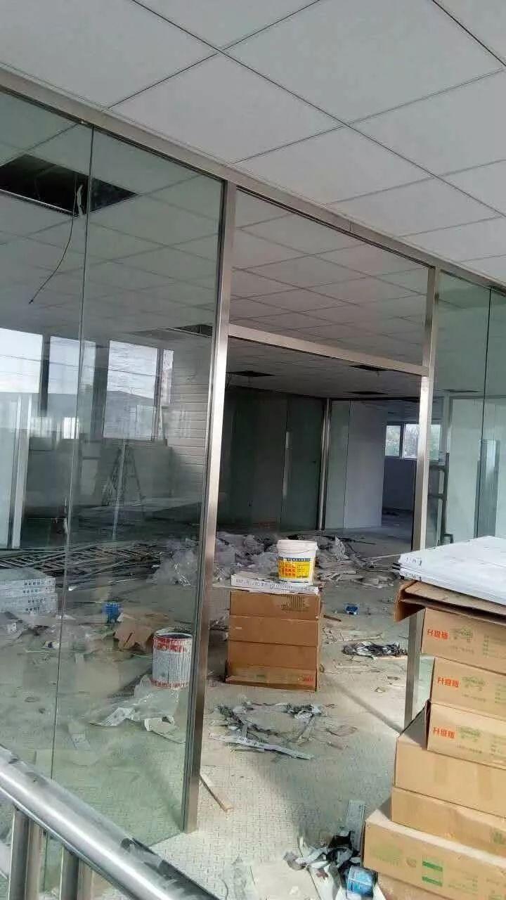 合肥庐阳区办公室玻璃隔断订做无框玻璃门安装玻璃