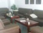 回收酒店家具电器、企事业单位办公家具、清理仓库积压