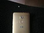 华为手机3+32Gmets,金色手机,金属外壳。
