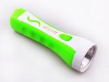 专业厂家供应强光充电LED手电筒 塑料照明手电筒 品质保证