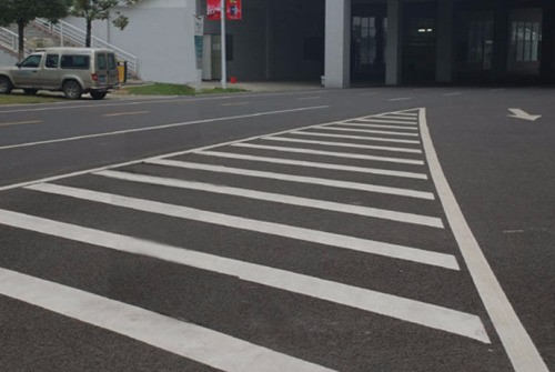 济宁高新区停车位划线 济宁高新区车位线 济宁高新区马路标线