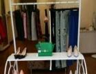 服装店道具低价转让。