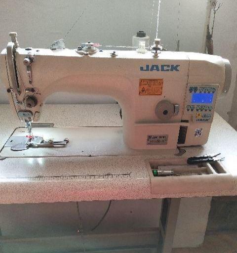 杰克缝纫机一台,9成心,节能电机,零噪y...