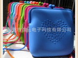 生活日常硅胶制品 日常生活用品批发 硅胶挎包 夏季果冻糖果色包