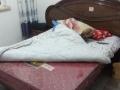 旧床1.5*2.0带床垫,两个床头柜