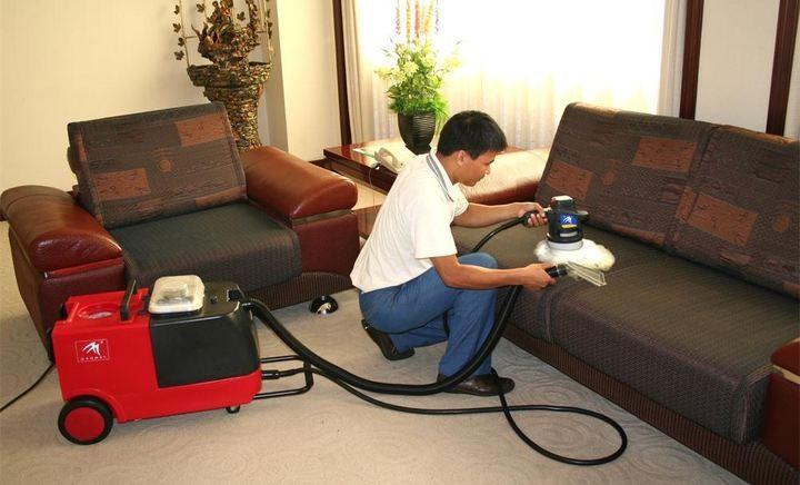成都环球中心专业地毯清洗 办公室保洁钟点工 玻璃清洗