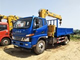 6.3吨随车吊多少钱 4.8米车厢 适合乡村道路