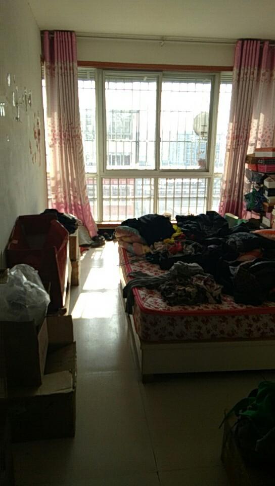 市中心学区房 旷花路小学旁 3室 2厅 128平米 出售