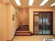 青岛李沧区家政保洁公司专业擦玻璃地板打蜡 玻璃清洗