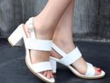 白色真皮凉鞋粗跟高跟凉鞋大码鞋 小码鞋 33 YZH