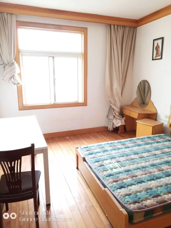 卓刀泉 桂子花园 4室 2厅 127平米 出售