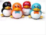 0510A上链走路企鹅 热卖儿童玩具 双腿摆动 地摊热卖颜色混发