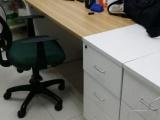 转让99新办公桌一张