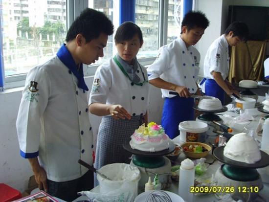 中西糕点哪里好衡水烘焙面包 生日蛋糕 中西糕点招生