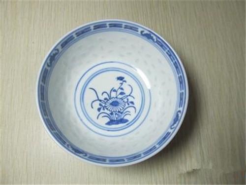 私下交易清代青花玲珑瓷碗价格表