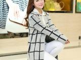 2014秋冬新款 韩版方格中长款女式针织衫 女士格纹圆领长袖开衫