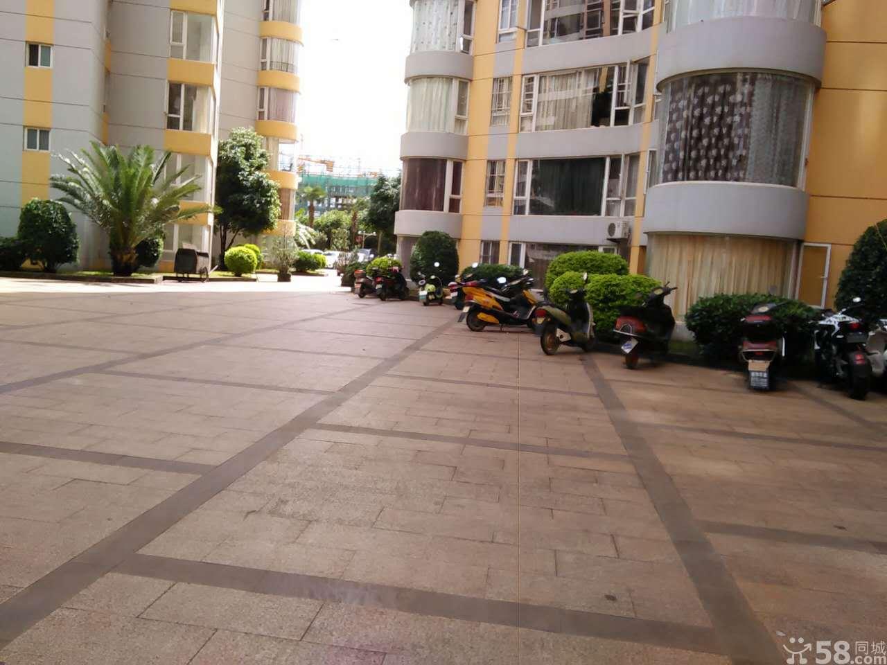 兰苑洋房 85万 3室2厅2卫 精装修,大型社区,居家首