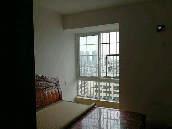 新房子 出租,看房方便 .欢迎来电咨询