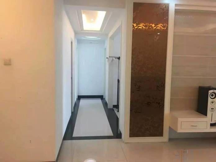 信义怡翠豪园 4000元 3室2厅1卫 精装修,依山傍水
