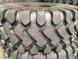 自卸车轮胎23.5-25 隆工花纹轮胎铲车轮胎