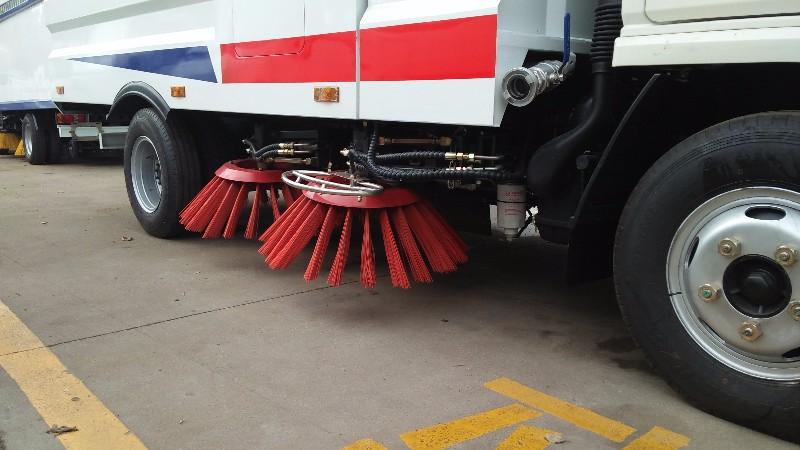 扫路车 洗扫车性能再次升级不加价金秋大酬宾!