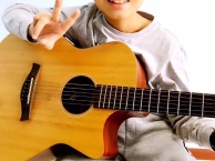 西安高新区枫林绿洲民谣吉他教学培训班 高端民谣吉他品牌培训