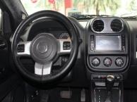 吉普 指南者 2014款 2.4 手自一体 改款四驱舒适版-14