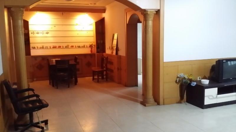 万达西邻菜市新区 3室 2厅 150平米 整租