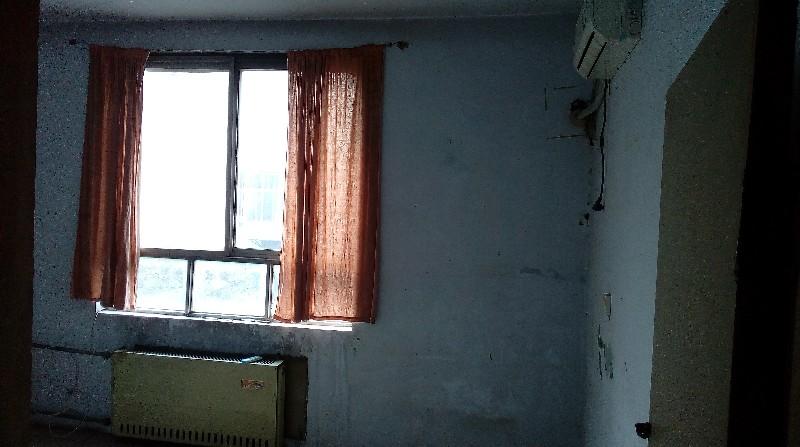 解放大道东段中原银行对面家属楼3室1厅 87平米 整租