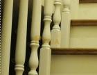 上海实木楼梯工厂定制 尖头车圆楼梯柱样式 简约白色实木