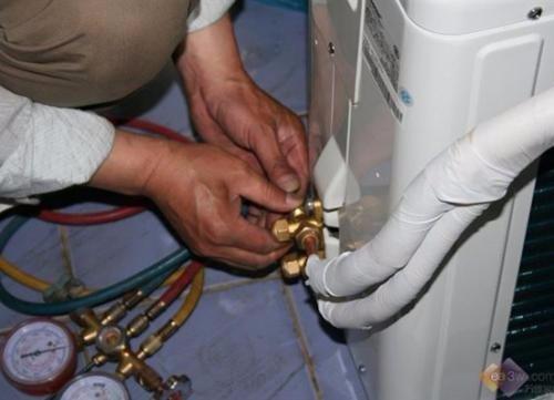 南充格力 美的 海尔 长虹 科龙 奥克斯空调售后维修空调加氟