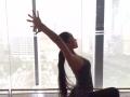 通过热身及动作组合,以配合强劲的节拍,舞蹈的动感和音乐的