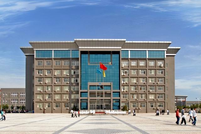 初中毕业学什么专业好郑州商业技师学院农副产品加工专业