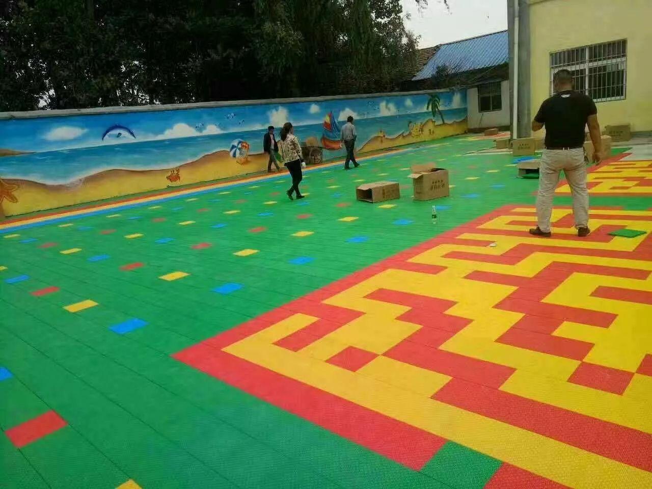 供应幼儿园地板运动地板悬浮地板拼装户外专用塑胶地板