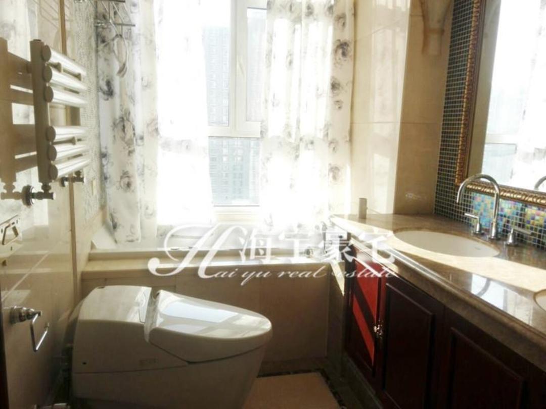 樱海园精装修四居室+宽敞客厅+全落地窗+高层可观景泛海国际樱海园