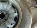 新桑塔纳拆下的轮胎,有韩泰,有邓录普