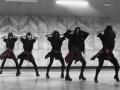 凤凰广场附近有学成人舞蹈的吗?