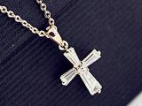 正品  十字架锆石锁骨链 气质白搭短项链 情人节礼物 饰品批发