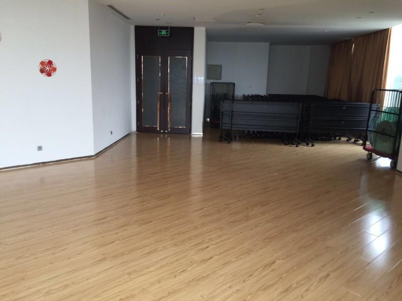 空港滨海圣光皇冠假日酒店 188平米商铺出租