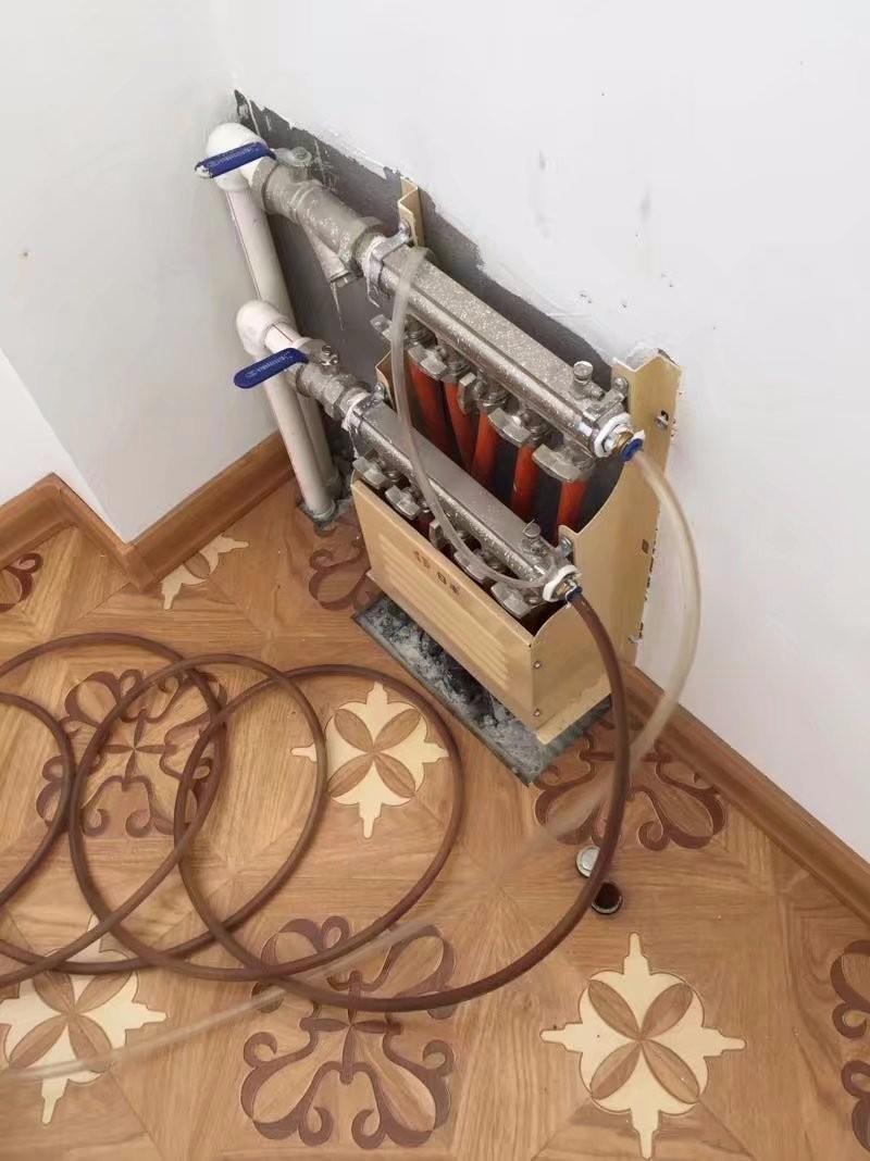 南关南三环专业清洗地热,高压脉冲,跟换分水器,维修水管修改