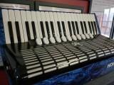 半价出售德国霍纳120贝斯四排簧手风琴