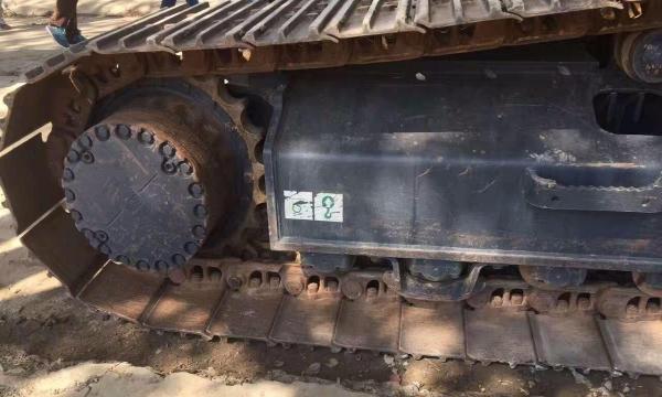 转让 挖掘机小松精品车况包运送手续全
